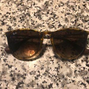 Ray ban Turtle 🕶 sunglasses
